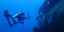 Fabien Cousteau Returns to Aquarius to Break Grandfather's Record