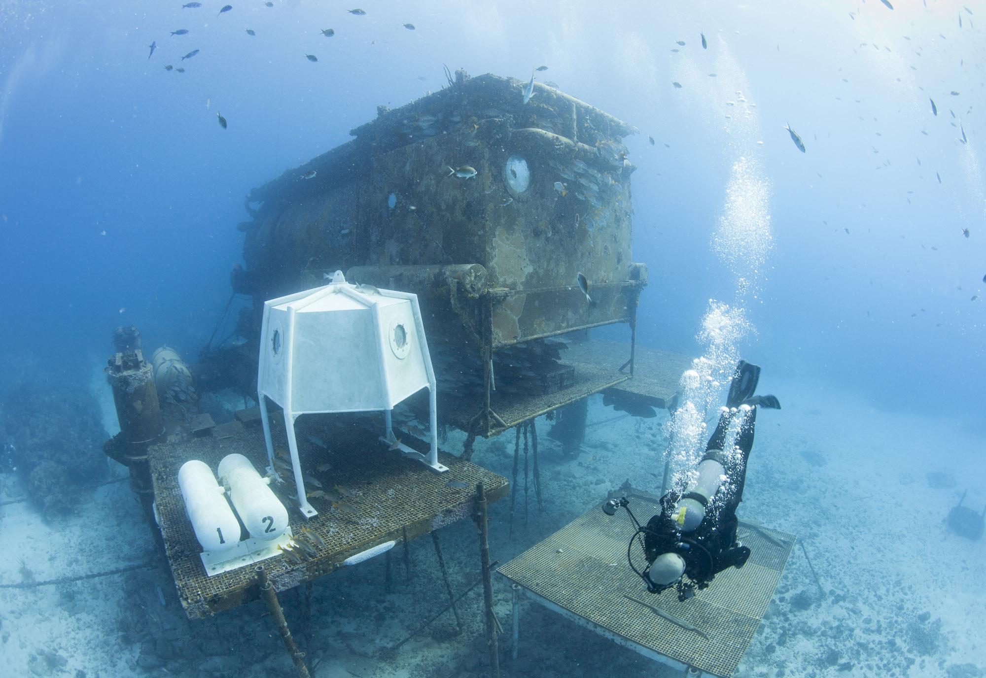 aquarius spacecraft - photo #27